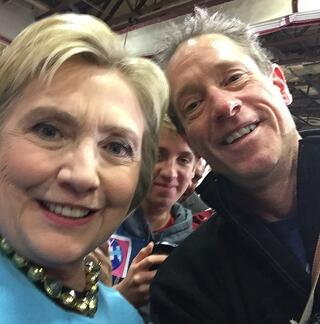 Clinton_Selfie.jpg