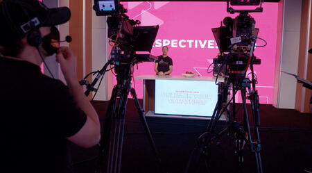 David Meerman Scott virtual speaking multi camera