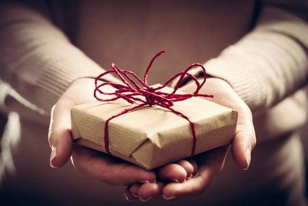 shutterstock_503377519 gifts