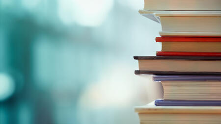 shutterstock_books_621157613